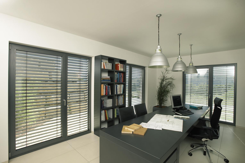 raffstore rolladen metallbau bretschneider. Black Bedroom Furniture Sets. Home Design Ideas